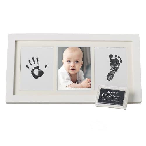 foto y huellas de bebé